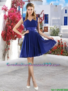 Discount V Neck Short Graduation Dresses in Royal Blue