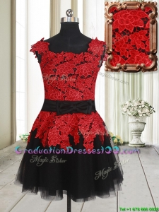 2017 Simple Laced and Bowknot Square Tulle Short Graduation Dress in Red and Black