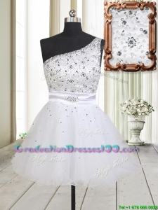 Fashionable One Shoulder Beaded Bodice Zipper Up White Graduation Dress in Tulle