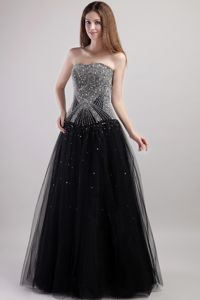 Strapless Floor-length Cute Graduation Dresses in Black with Beading