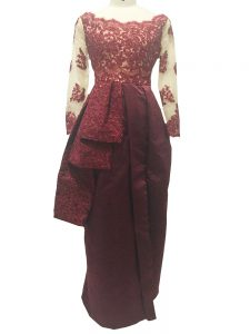 Taffeta Scalloped Long Sleeves Zipper Lace and Appliques Graduation Dresses in Burgundy