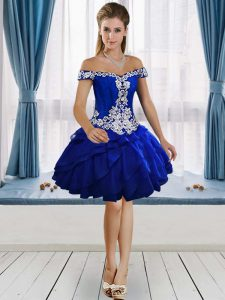 Wonderful Knee Length Royal Blue Graduation Dresses Off The Shoulder Sleeveless Lace Up