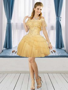 Off The Shoulder Short Sleeves Zipper Graduation Dresses Gold Tulle Beading
