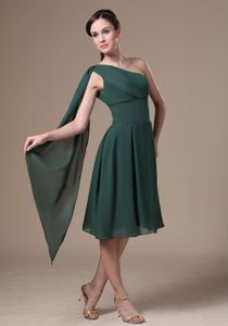 Discount One Shoulder Watteau Train Green Graduation Dresses