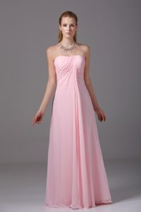 Custom Made Pink Strapless Chiffon Graduation Dresses for Juniors