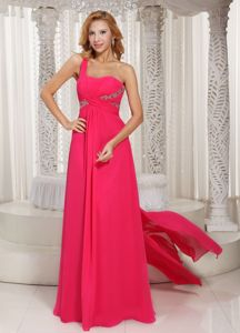 Watteau Hot Pink Single Shoulder Beaded Senior Graduation Dresses