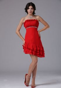 Asymmetrical Strapless Evening Dresses For Grad with Ruffles in Red