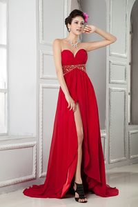 Red Sweetheart Chiffon Beaded Graduation Dresses with Brush Train
