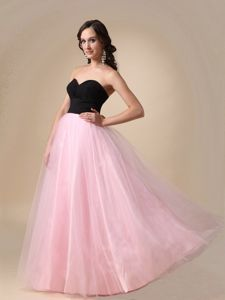 Black and Pink Sweetheart Floor-length Ruched Graduation Dresses