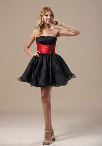 Mini-length Beaded Black and Red Middle School Graduation Dress