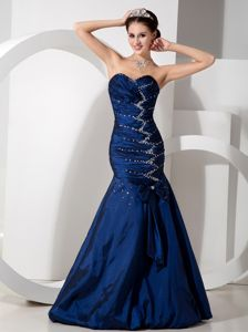 Mermaid Navy Blue Sweetheart Cute Graduation Dress with Beading