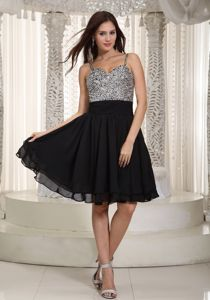 Classic Black Short Chiffon Girls Graduation Dresses with Beading