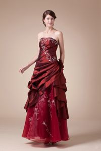 Strapless Embroidered University Graduation Dresses in Wine Red