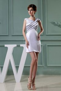 Mini-length Taffeta Graduation Dresses For Middle School in White