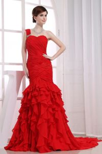 Mermaid Ruffled Chiffon One Shoulder Graduation Dresses in Red