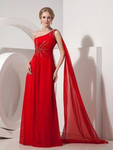 Red Watteau Train Beading Evening Dress for Graduation in Chiffon