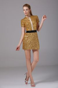 Gorgeous Short Sleeves Sequined Gold Graduation Dress for Girls