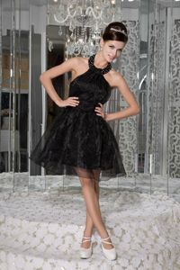 Beading Halter Little Black Organza Graduation Dresses for Juniors