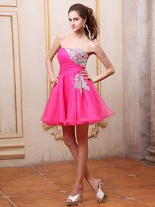 Strapless Hot Pink Short Cheap Graduation Dresses with Appliques