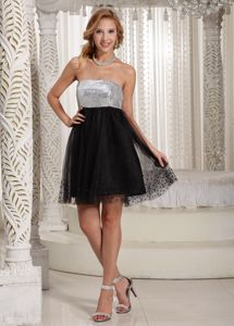Black and White Zipper-up Short Senior Grad Dresses with Sequins