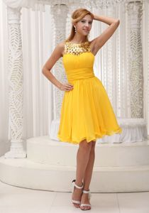 Sequin Scoop Neck Yellow Short University Graduation Dress