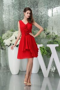 Pretty V-neck Short Red University Graduation Dress with Flowers