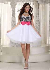 Leopard White Sweetheart Short Junior Graduation Dress with Bow