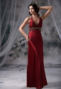 Elegant Wine Red Halter Ruched Floor-length College Grad Dresses