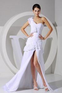 One Shoulder White Middle School Graduation Dress with High Slit