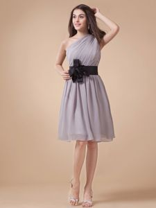 One Shoulder Grey Graduation Dresses For Girls with Flower Sash