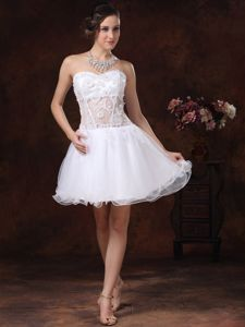 Sweetheart White Short College Graduation Dresses with Appliques