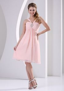 Straps V-neck Pink Beaded Graduation Dresses For Middle School