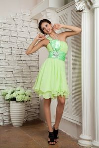 Yellow Green One Shoulder Short Chiffon Grad Dress with Beading