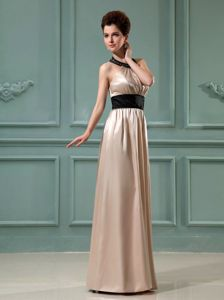 Elegant Halter Champagne Long Middle School Graduation Dresses