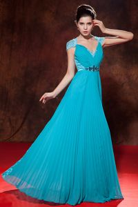 Empire V-neck Pleated Teal Long Graduation Dresses for College
