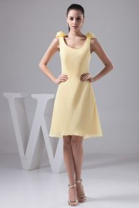 Yellow Scoop Neck Knee-length Column Grad Dress For College