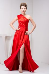One Shoulder High Slit Red Graduation Dresses For Middle School