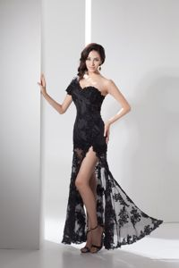 One Shoulder Short Sleeve High Slit Black Lace Graduation Dresses