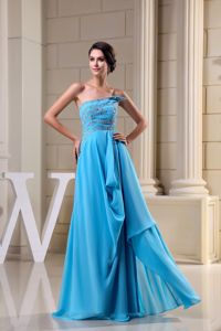 Strapless Aqua Blue Beaded Brush Graduation Dresses For College