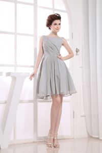 Modest Bateau Neck Gray Short Graduation Dresses for College