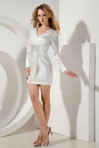 V-neck Long Sleeves White Graduation Dresses for 8th Grade