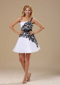 Embroidered One Shoulder Short Grad Dresses in Black and White