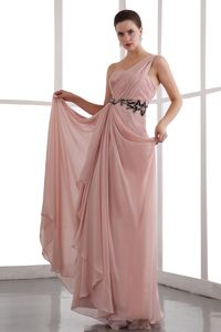 Peach One Shoulder Chiffon Cute Grad Dress with Black Appliques