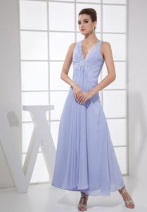 V-neck Lilac Long Graduation Dress with Appliques and Crisscross