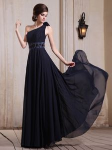 Beading and Flower One Shoulder Graduation Dress in Navy Blue