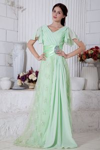Beading and Ruches Empire V-neck Graduation Dress in Apple Green