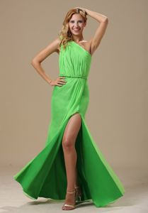 High Slit Spring Green One Shoulder Ruched Prom Graduation Dress
