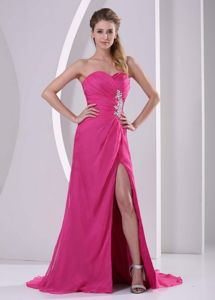 Appliques Slit Hot Pink Sweetheart Ruched Graduation Dresses