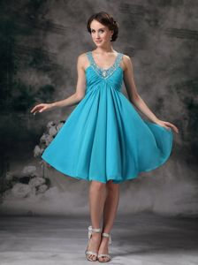 Turquoise Empire V-neck Beading Prom Dress For Graduation