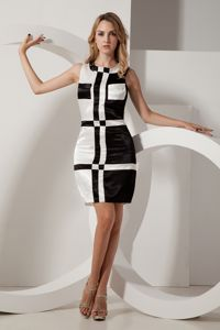 Round Plaid Skirt Short Senior Graduation Dress in White and Black